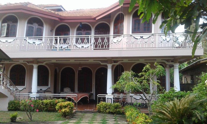 Savindu villa, Ferienwohnung in Moragalla