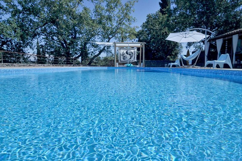 Villa Chloe in Corfu, vacation rental in Corfu