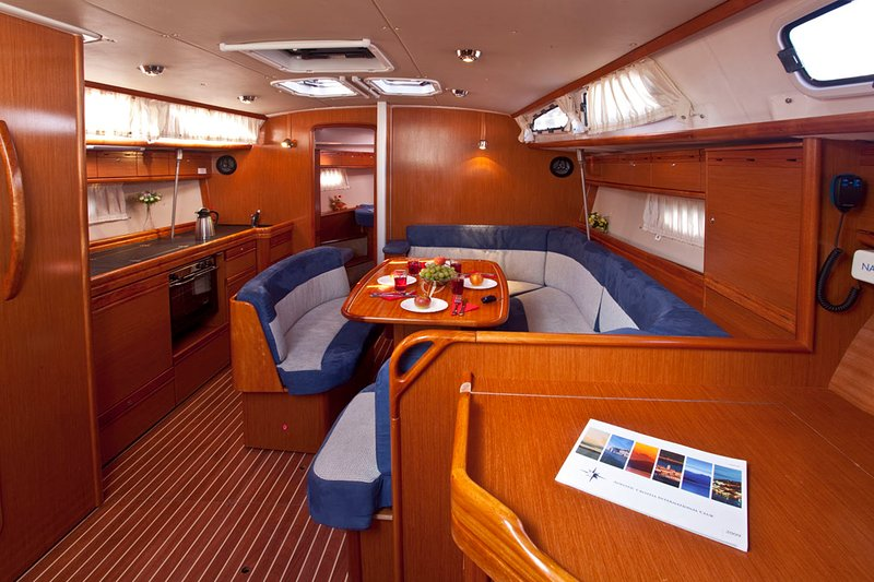 Sailing Yacht Santana, vacation rental in Lavrio
