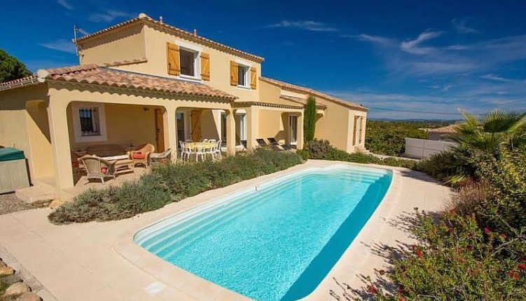 Tourbes, villa holidays France with private pool, vacation rental in Saint-Thibery