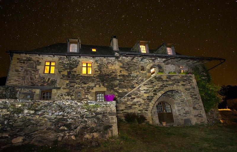 La Maison de Vigneron, piscine chauffée privée, Ferienwohnung in Espalion