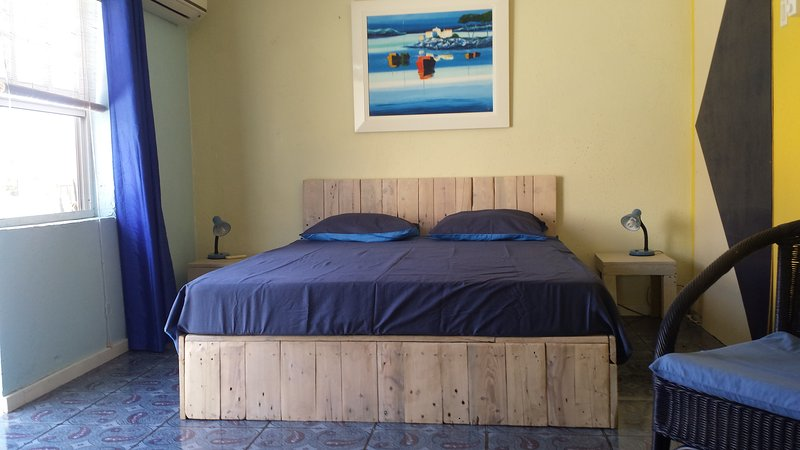 Home made pallet wood queen size bed