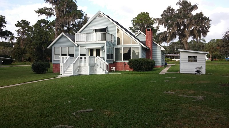 River House, vacation rental in Satsuma