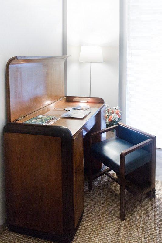 Working desk opened