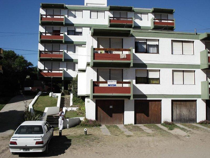 edificio marejada villa gesell para 6 personas, vacation rental in Central Argentina