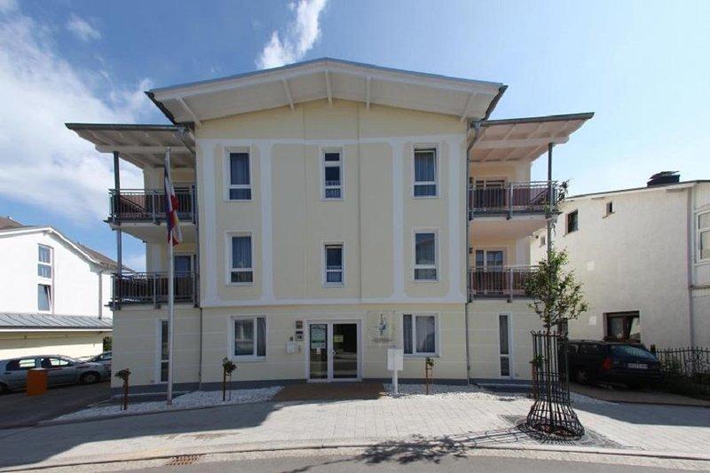Ferienwohnung Elisenhof über 90 m² für 8 Personen, holiday rental in Lobbe