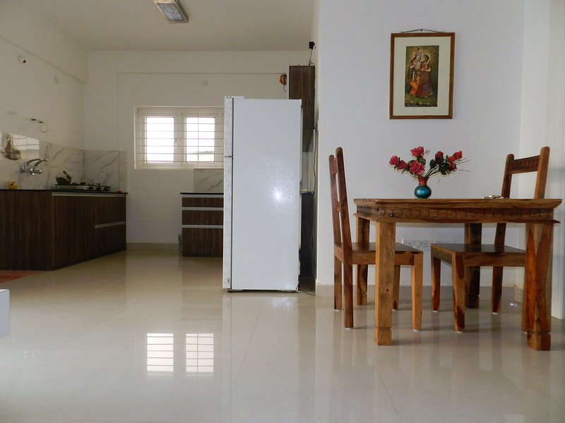 Spacious and Classy 1 BHK AC Apartment, alquiler vacacional en Bangalore