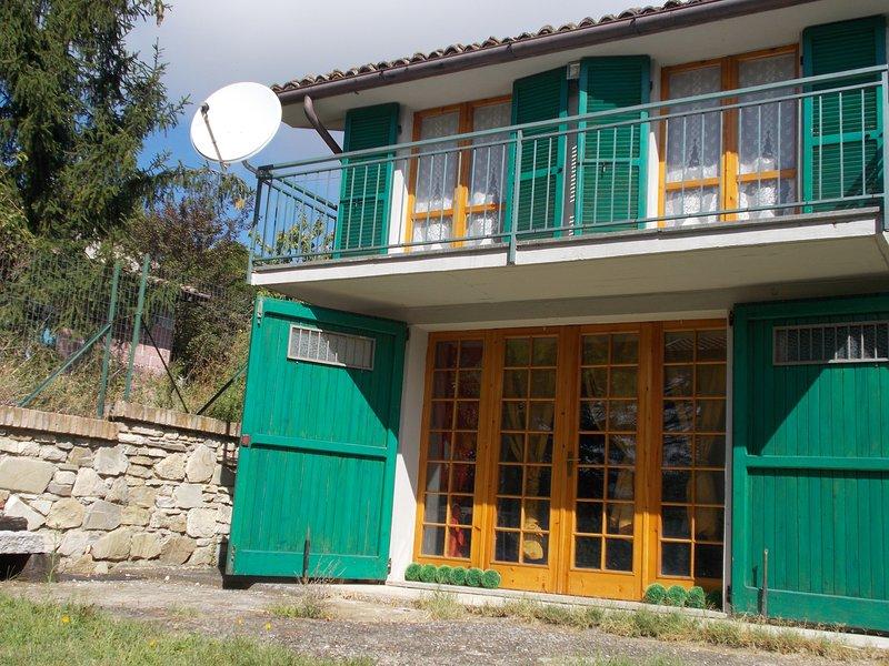Villetta confortevole Colline Piacentine ospita, alquiler de vacaciones en Nibbiano