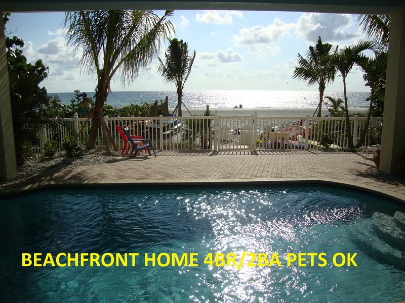 PRIVATE BEACH OPEN** Beachfront bungalow 4BR *Htd POOL*Pet, vacation rental in Indian Shores