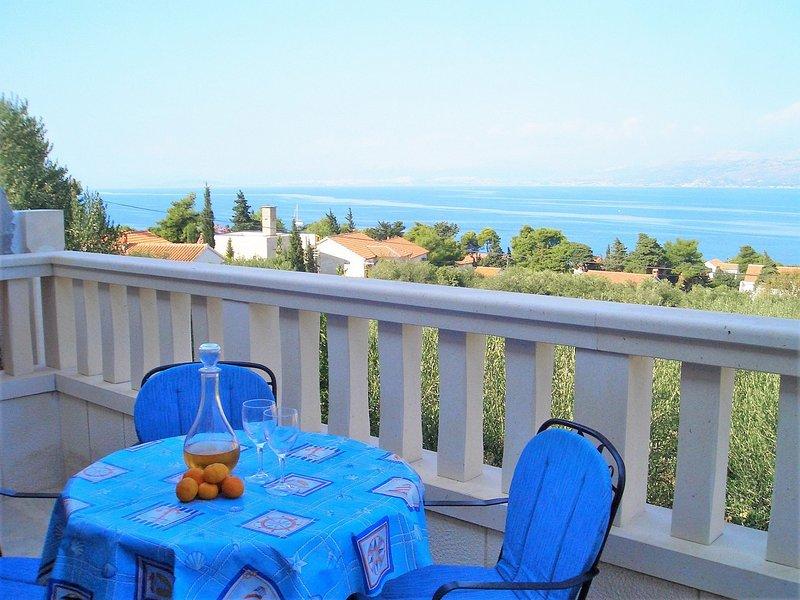 Marino - 150 m from beach: A1(4+1) - Splitska, location de vacances à Splitska