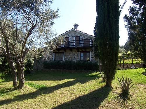 The Farmhouse e gramado