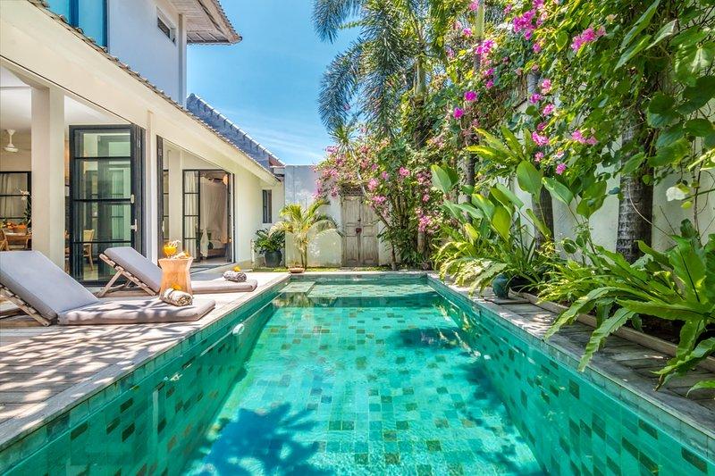 La piscina di Villa Pippa nel pomeriggio