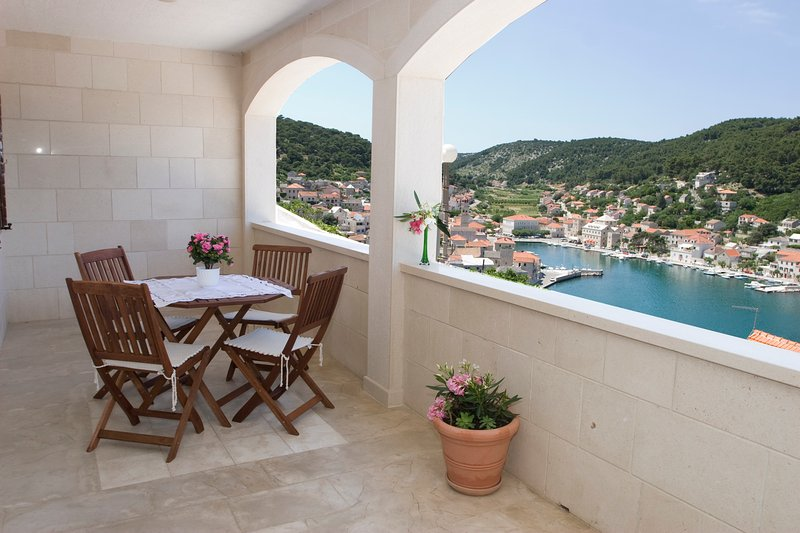 Terrace, terrace view, outside furniture, apartment Pucisca (2+2), Pucisca, Brac Island