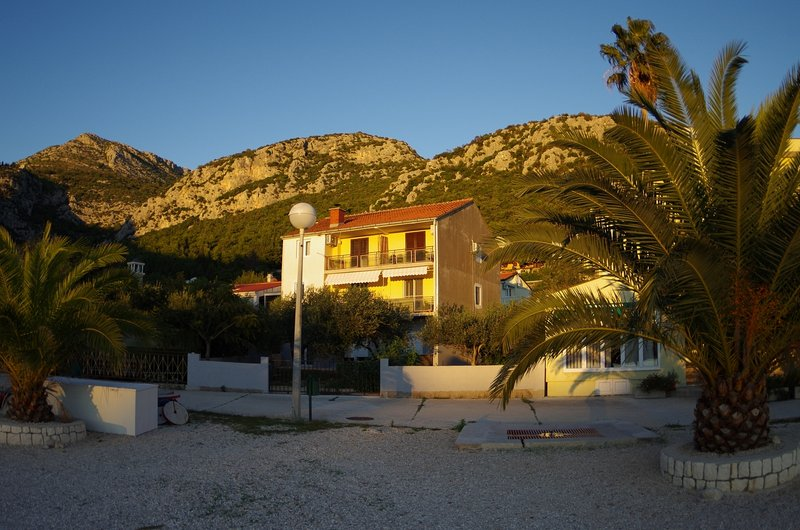Holiday Apartment On The Beach, holiday rental in Klek