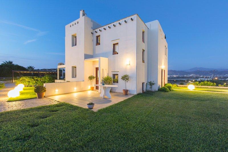 Villa Aurora Naxos, vacation rental in Agios Prokopios