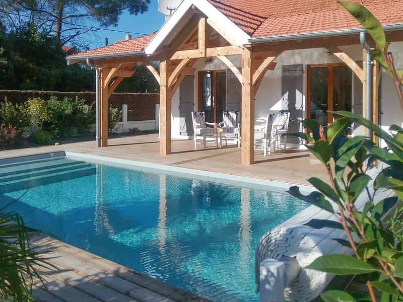 Amazing villa with swimming-pool, aluguéis de temporada em Le Verdon Sur Mer