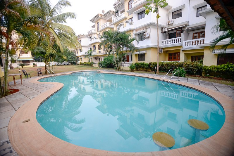 TripThrill Goan Imperial Holidays 1B Apartment - 1, holiday rental in Varca