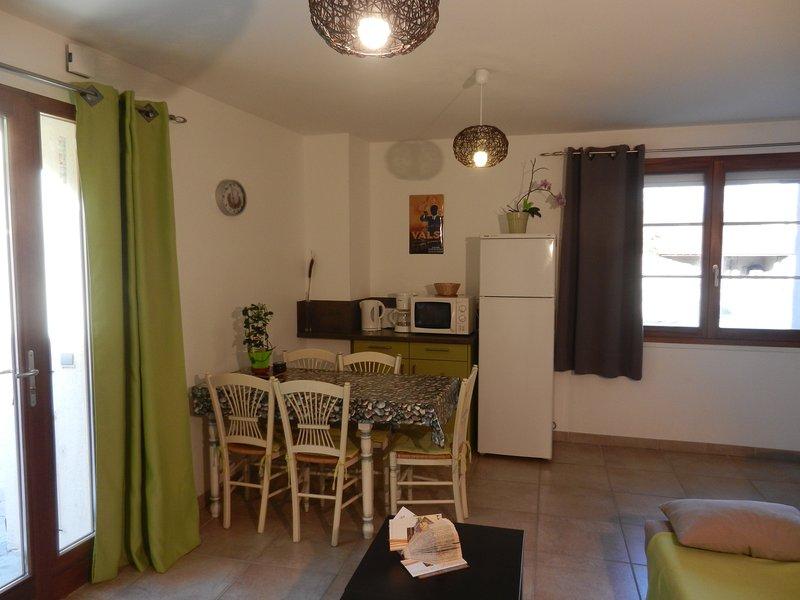 Living room kitchen side