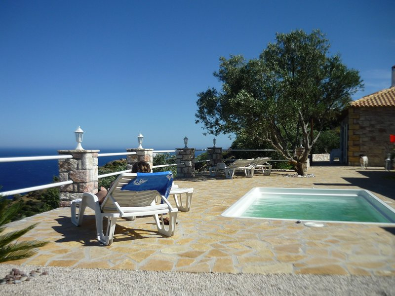 Pool area (in the background you see Villa Orleander)