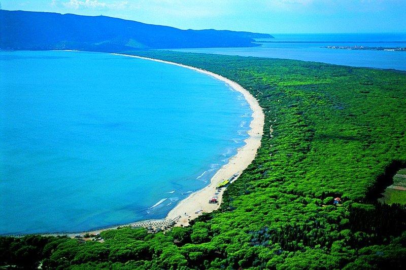Argentario, la 'Feniglia' beach