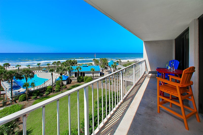 135 degree view, you are right over pool and beach. Note high grade furniture!