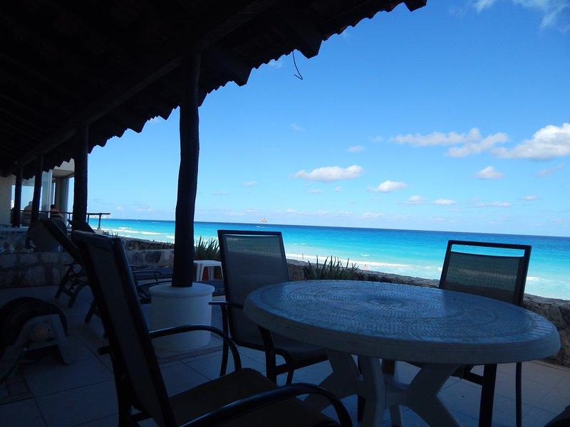 accès à l'avant Ocean Terrace + Plage