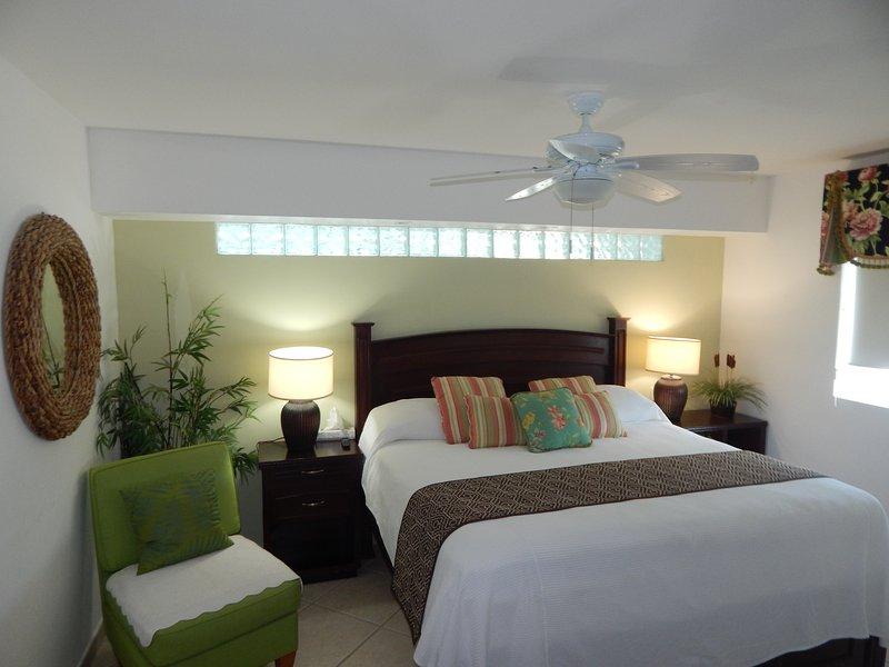 La chambre principale avec lit KS
