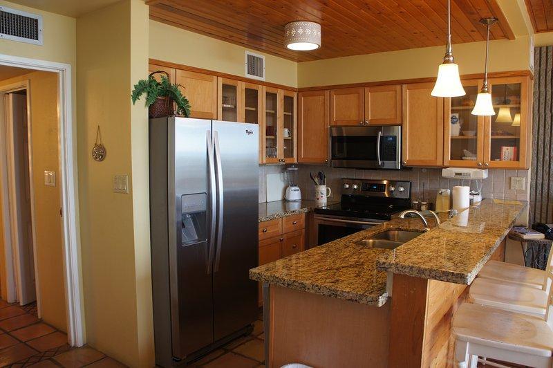 Faites cuire votre repas préféré avec notre cuisine bien équipée et ustensiles de cuisine mise à niveau.