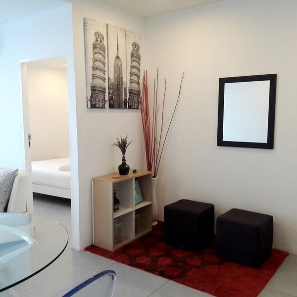 1 bedroom apartment Phuket Town near Central, holiday rental in Wichit