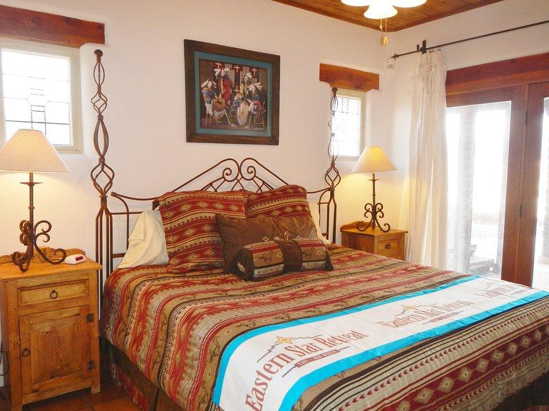 Mestre quarto, acesso a varanda e suite, casa de banho completa
