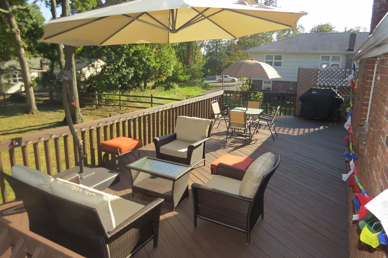 Cozy 3 Bedroom ENTIRE House in West Orange NJ, vakantiewoning in North Plainfield
