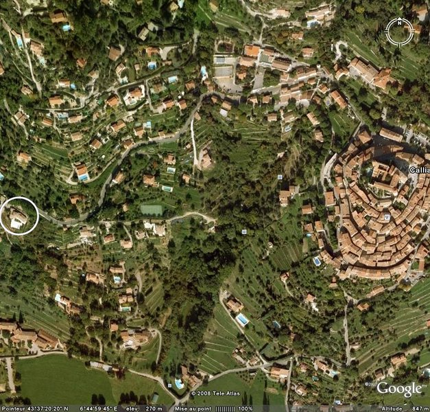 DORF CALLIAN und zu Hause, im Kreis links).