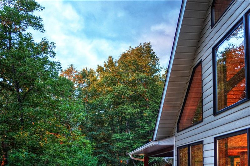 Luxurious Smoky Mountain Cabin at Top of Mountain UPDATED
