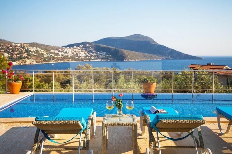 Exceptionnel 6 chambre Villa Oasis à Kalkan de La Collection Turquoise. Près de la plage et du port.