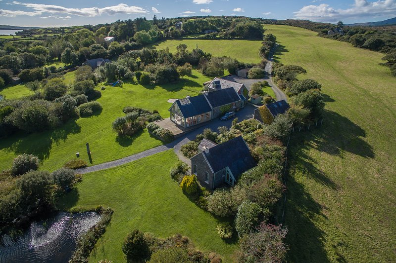 Spectacular Waterfront Property West Cork, alquiler de vacaciones en Crookhaven