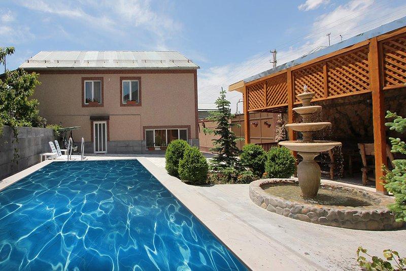 Villa Green Park & Tours, vacation rental in Garni