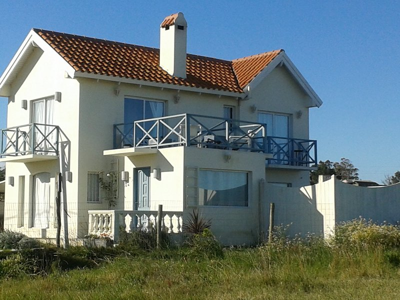 Vacation home in Balneario Buenos Aires with ocean view, holiday rental in Maldonado Department