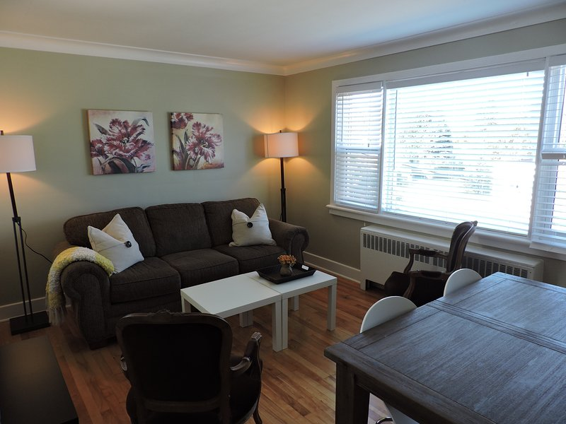 Little Gem in Central Ottawa, vakantiewoning in Carp