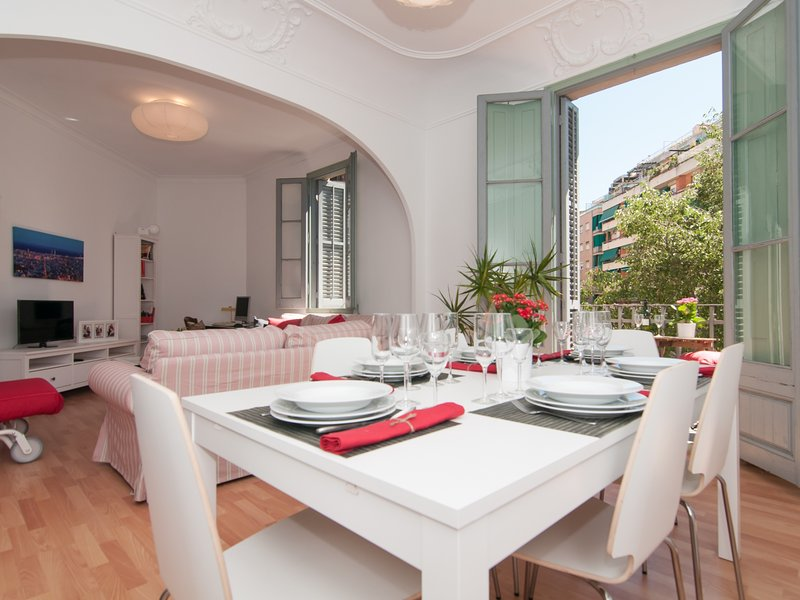 Charming Modernist Style Apartment, vacation rental in Barcelona