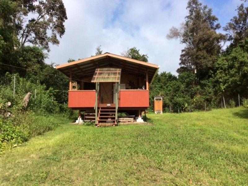 Hale La (hus i solen). sol och utanför nätet. bara 4wd .. privat överst på macnut fält.