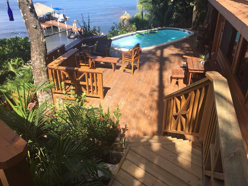 Beautiful Mayan Ocean, and pool front deck! Fully equipped, carvings, paintings, stone- big kitchen!