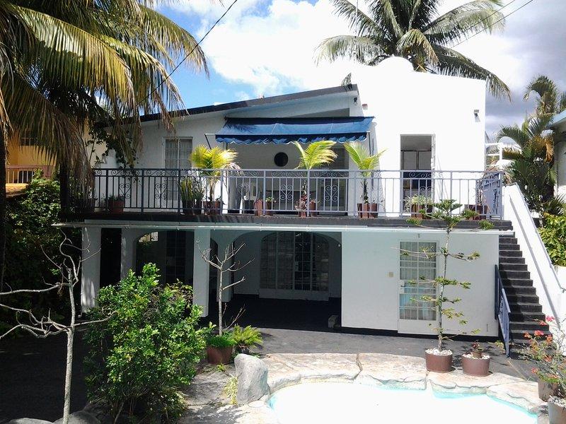 Villa Rosa 2 appartements avec piscine extérieure. 100m de la plage