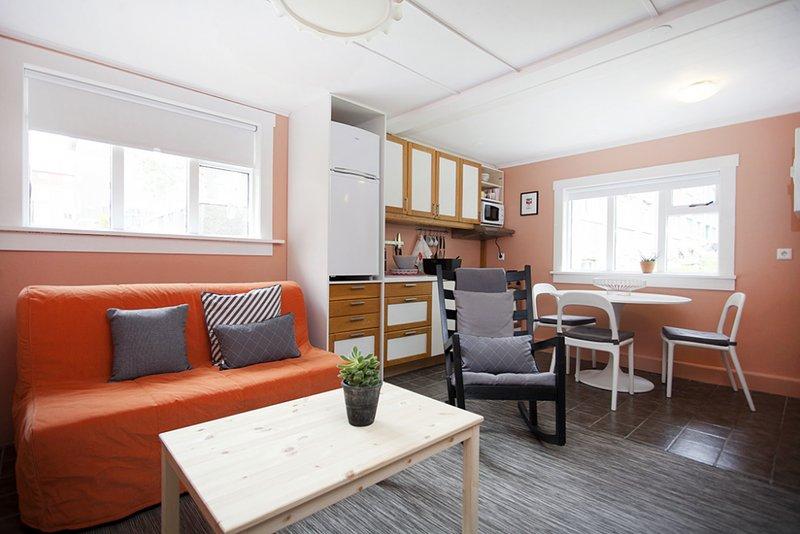 Scandinavian Private Studio Apartment in the City Center, aluguéis de temporada em Reykjavik
