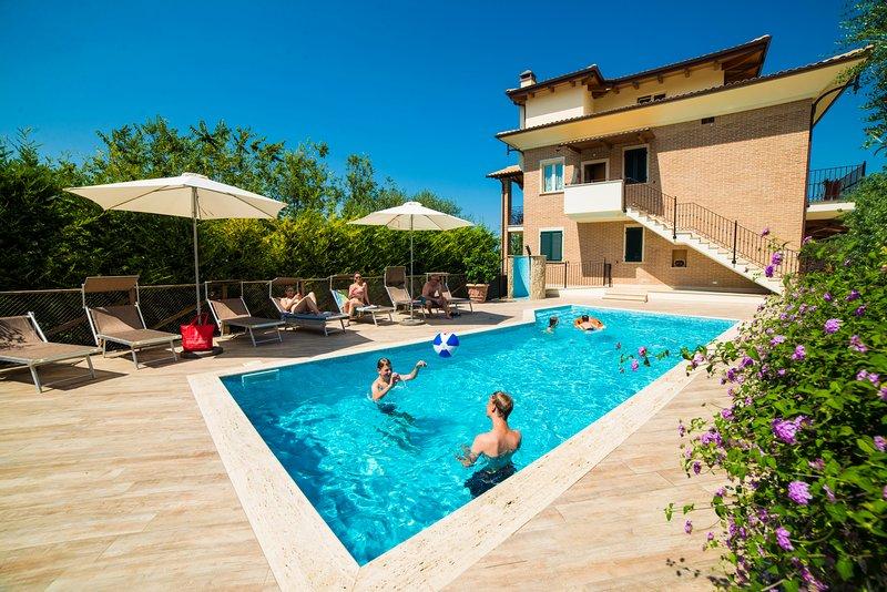 Residenza Marano - Suite Delfino, vacation rental in Cupra Marittima