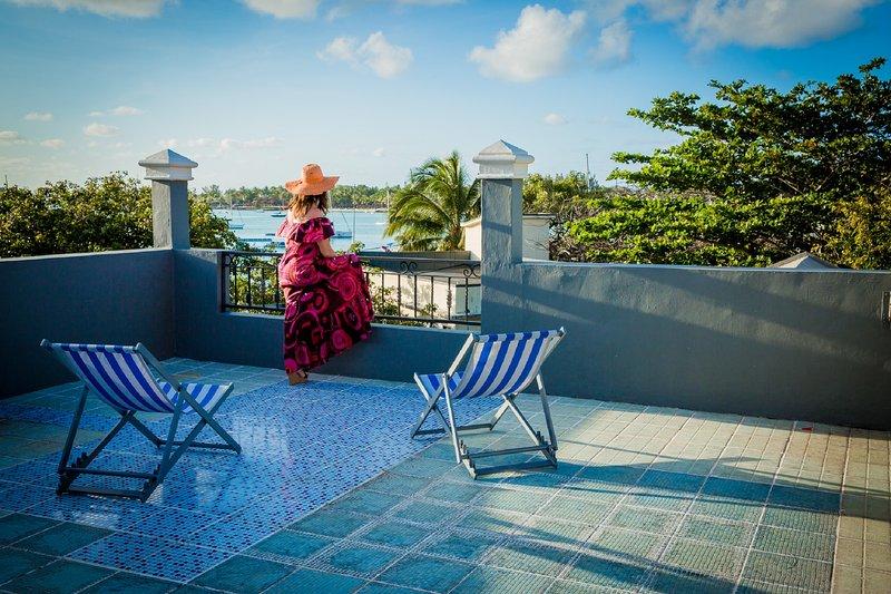 estúdio romântico com grande terraço, vista para o mar, em uma das mais belas lagoas do mundo, Grand Bay