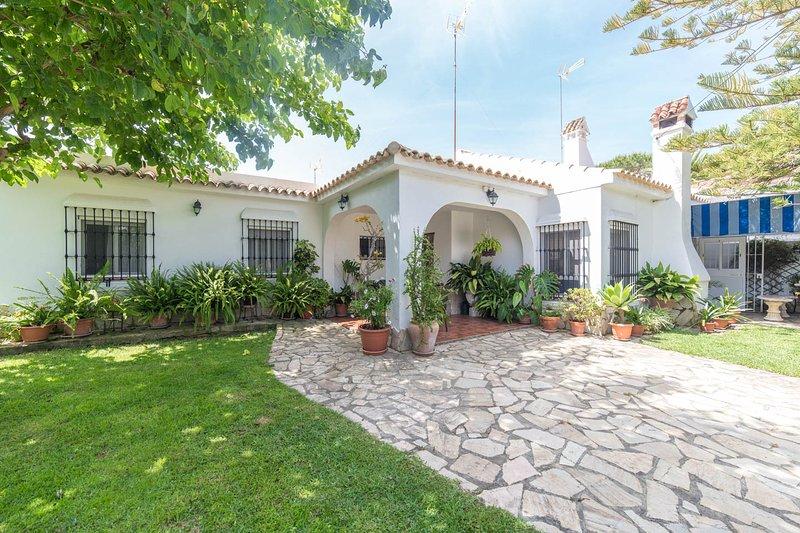 Maison individuelle avec toutes les commodités, jardin bien entretenu et un emplacement privilégié