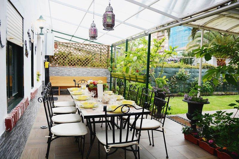 Dining porch garden