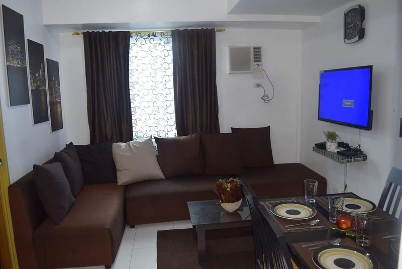 New Fully Furnished 2BR Condo in QC, casa vacanza a Quezon City