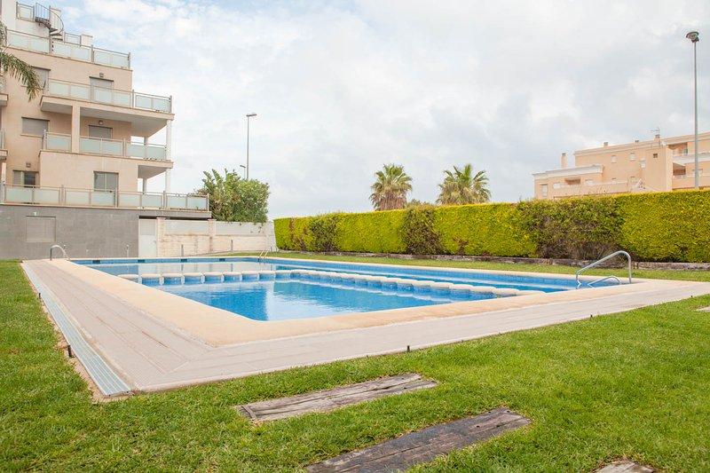 Apartamento en Oliva en las proximidades de una playa tranquila, holiday rental in Oliva