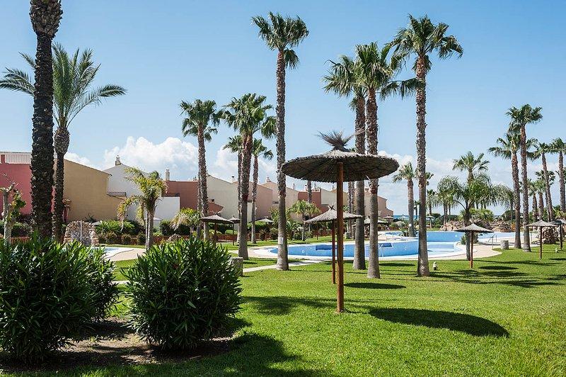 Apartamento en Atlanterra, Zahara de los Atunes, holiday rental in Zahara de los Atunes